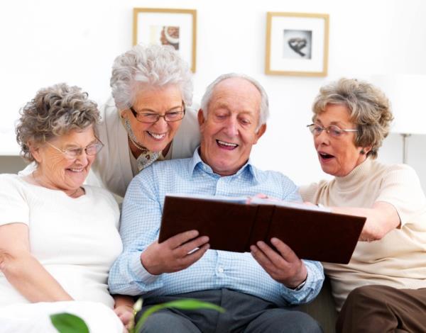 Trabajo con los recuerdos e integración social en los talleres de control del Alzheimer